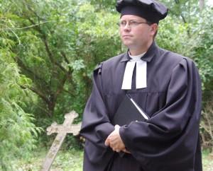"""Šilutės evangelikų liuteronų bažnyčios kunigas Remigijus Šemeklis. Nuotr. iš """"Pamario"""" archyvo"""